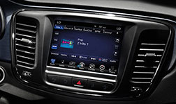 2016 Chrysler 200 Uconnect Infotainment