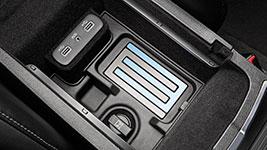 2017 Chrysler 300 MediaHub