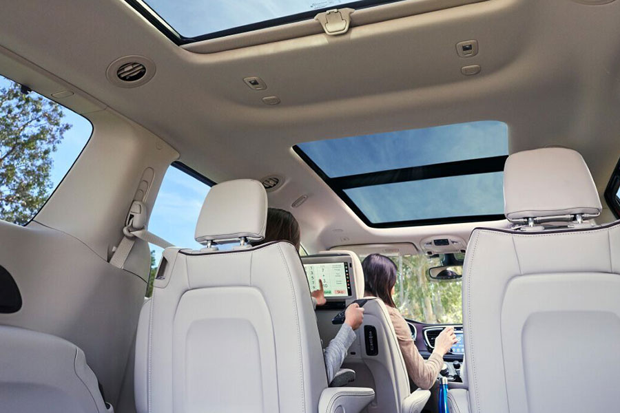 2020 Chrysler Pacifica Moonroof