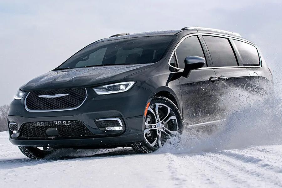 2021 Chrysler Pacifica Off-Roading
