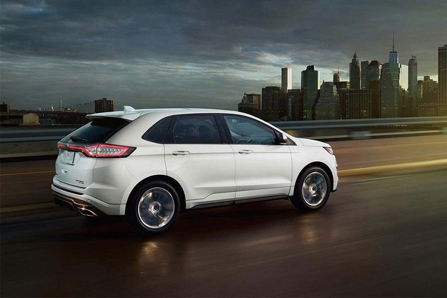 2018 Ford Edge on the Road