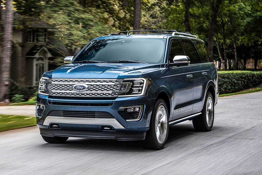 2020 Ford Expedition on the Road
