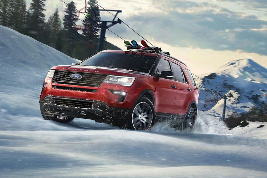 2019 Ford Explorer Doing Something Sporty