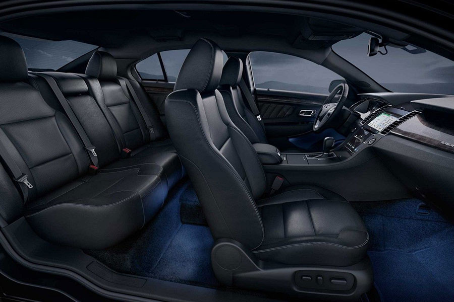 2018 Ford Taurus Interior