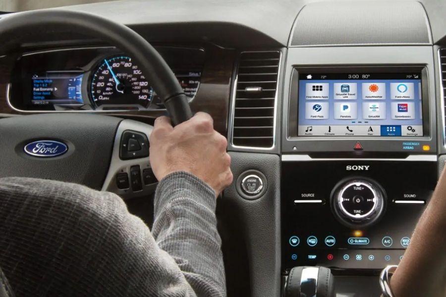 2019 Ford Taurus Tech