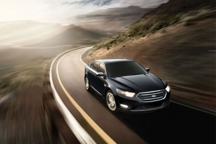 2019 Ford Taurus on the Road