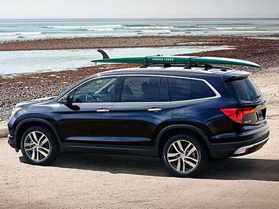 The Pilot Wins The Fuel Efficiency Race By A Hair, Earning Up To 20 City/27  Highway Mpg. This Sporty Crossover Can Also Take You Away From The Pavement  For ...