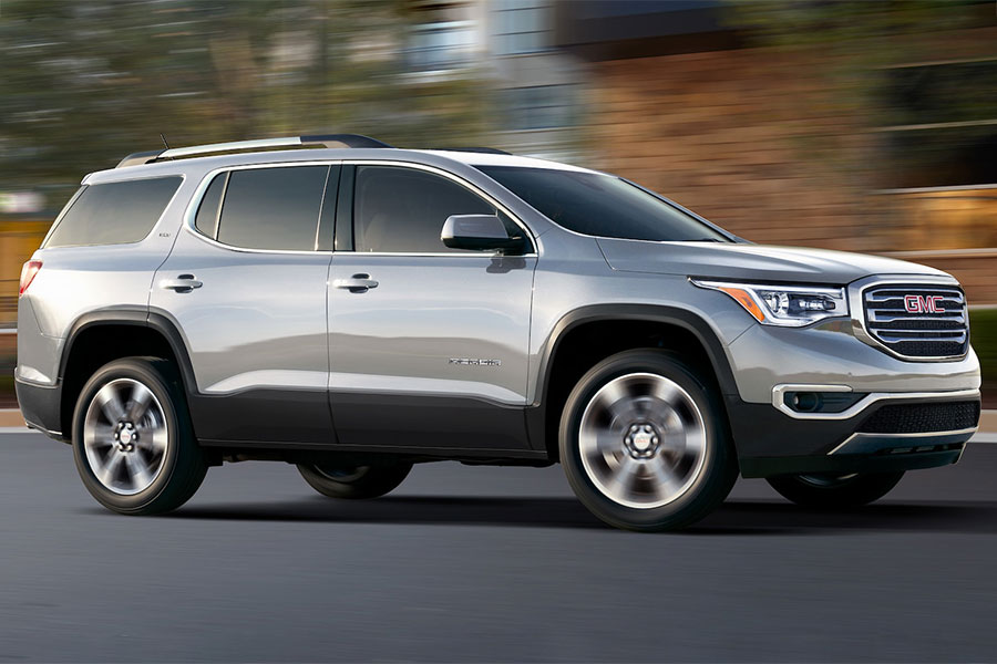 2019 GMC Acadia on the Road