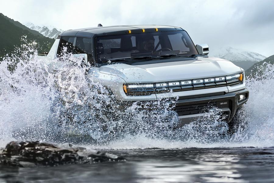 2022 GMC Hummer EV Off-Roading