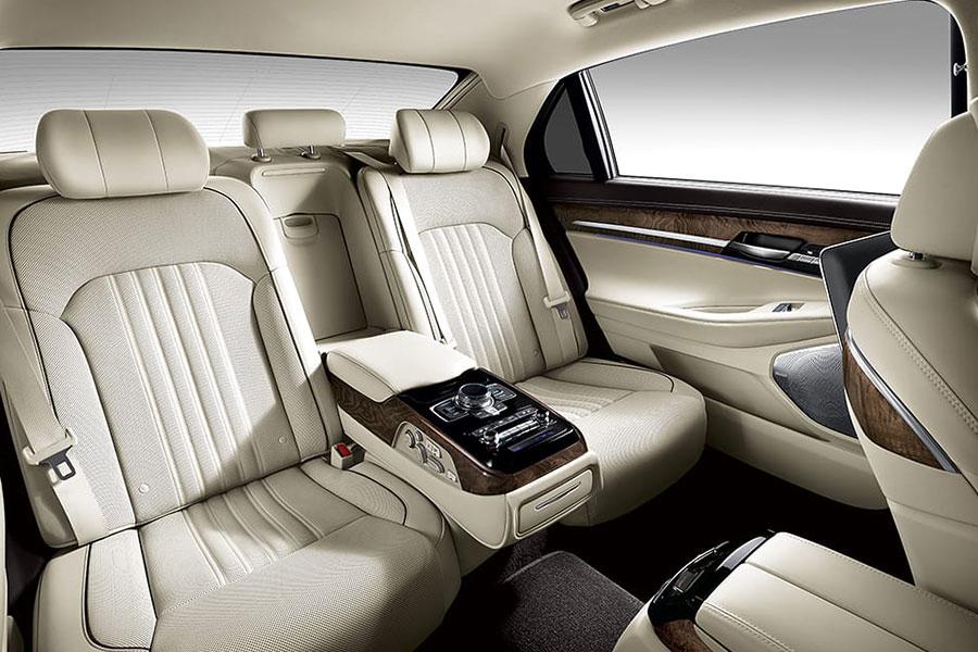 2019 Genesis G90 Interior