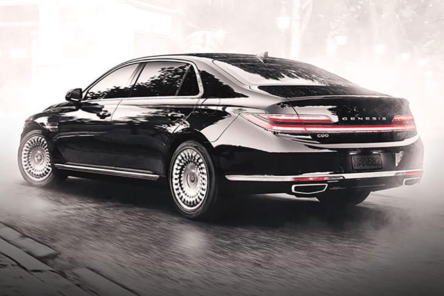 2020 Genesis G90 on the Road