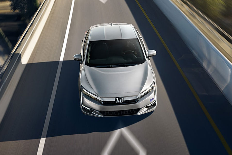 2020 Honda Clarity on the Road