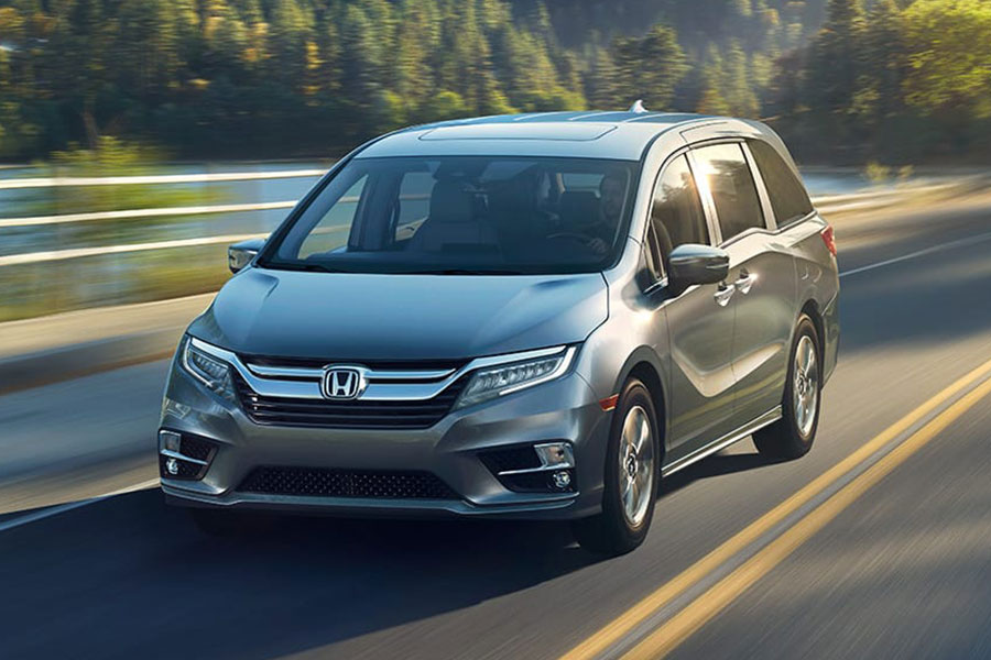 2019 Honda Odyssey on the Road