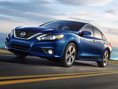 While Both Models Offer Money Saving Fuel Economy The Altima Has Overall Edge With Its Base Engine It Earns Up To 27 City 39 Highway Mpg