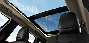 2017 Jeep Cherokee Dual-Pane Panoramic Sunroof