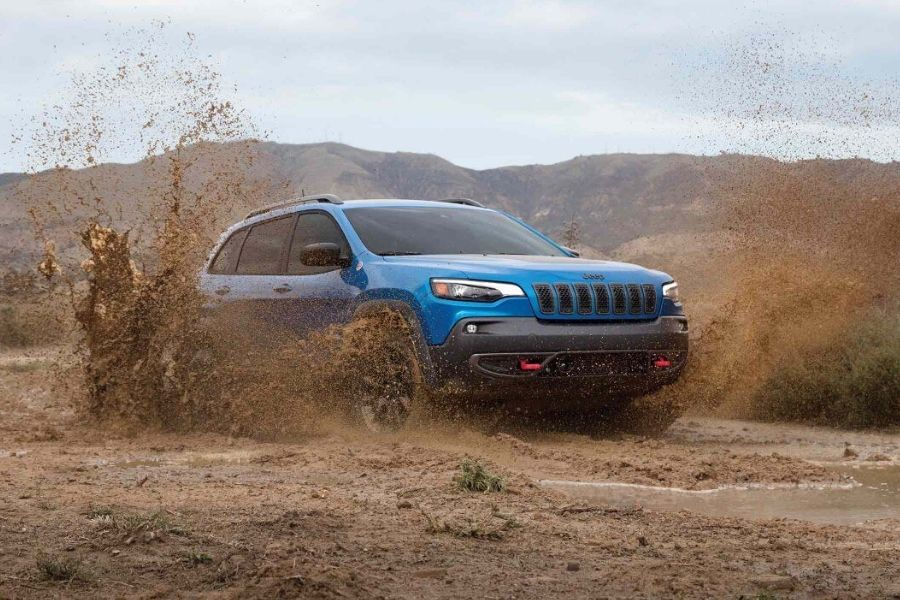 2020 Jeep Cherokee Off-Roading