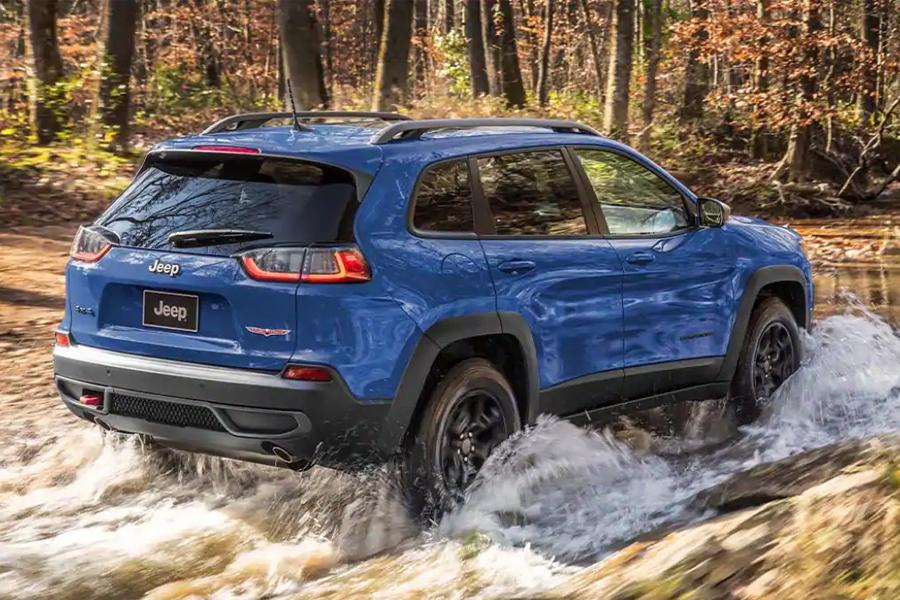 2021 Jeep Cherokee Off Roading
