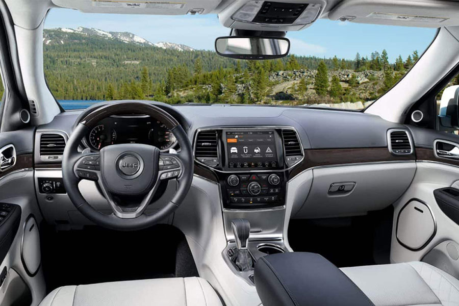 2019 Jeep Grand Cherokee Interior