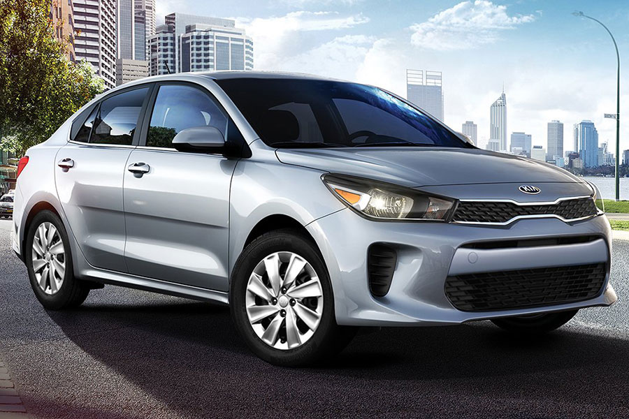 2019 Kia Rio on the Road