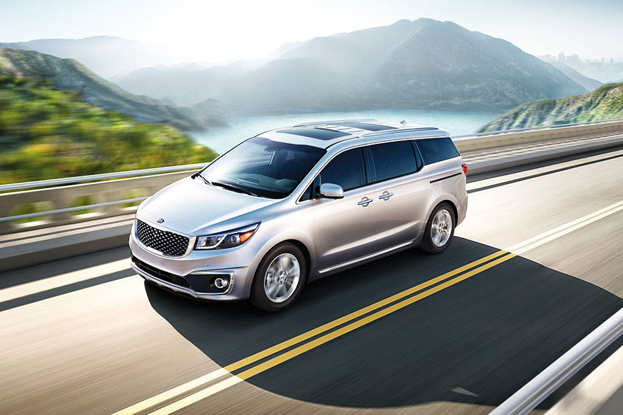 2019 Kia Sedona on the Road