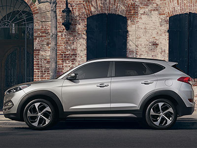 The Tucson Supplies Mainstream Appeal With Its Smooth, Athletic  Performance. When You Take This Compact Crossover Through Tight City  Streets, ...