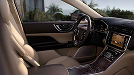 2017 Lincoln Continental Interior Luxury