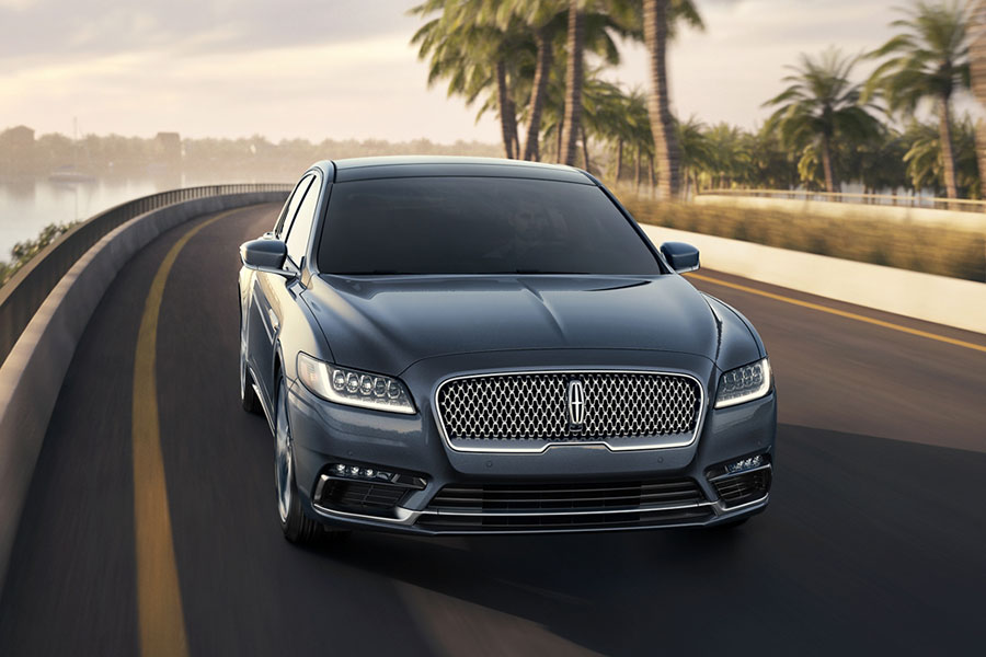 2020 Lincoln Continental on the Road