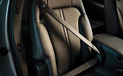 2016 Lincoln MKT Inflatable Second-Row Seatbelts