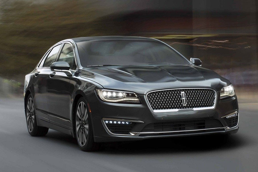 2019 Lincoln MKZ on the Road