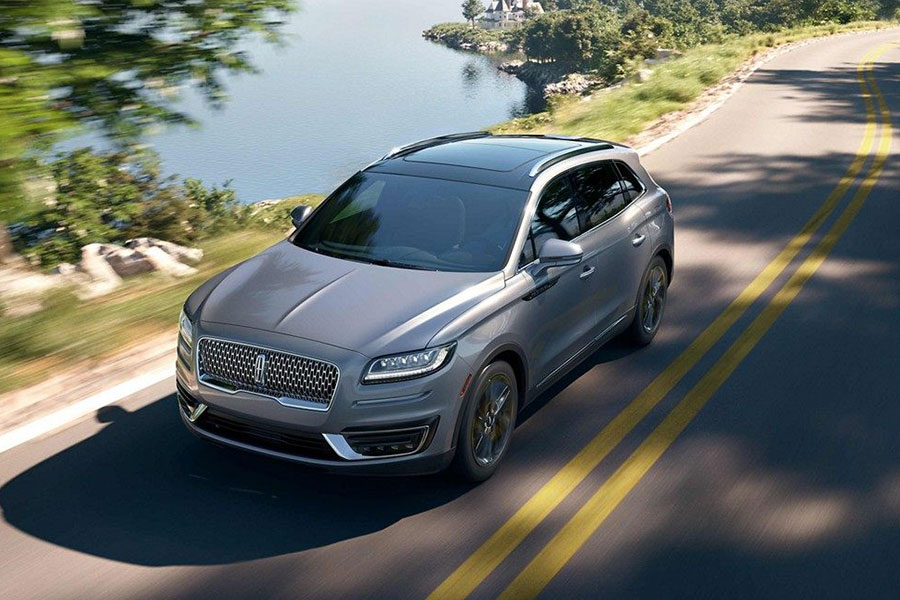 2019 Lincoln Nautilus on the Road