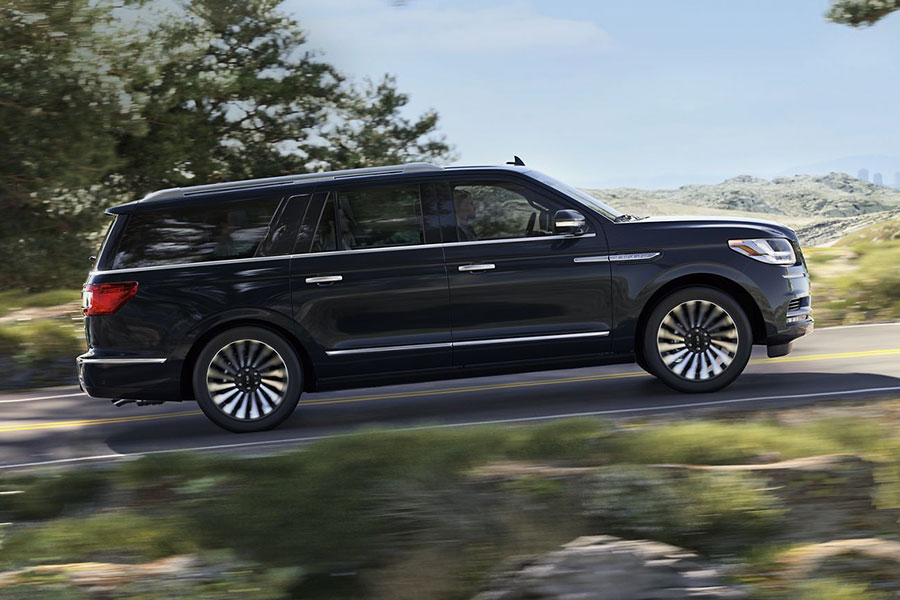 2019 Lincoln Navigator on the Road