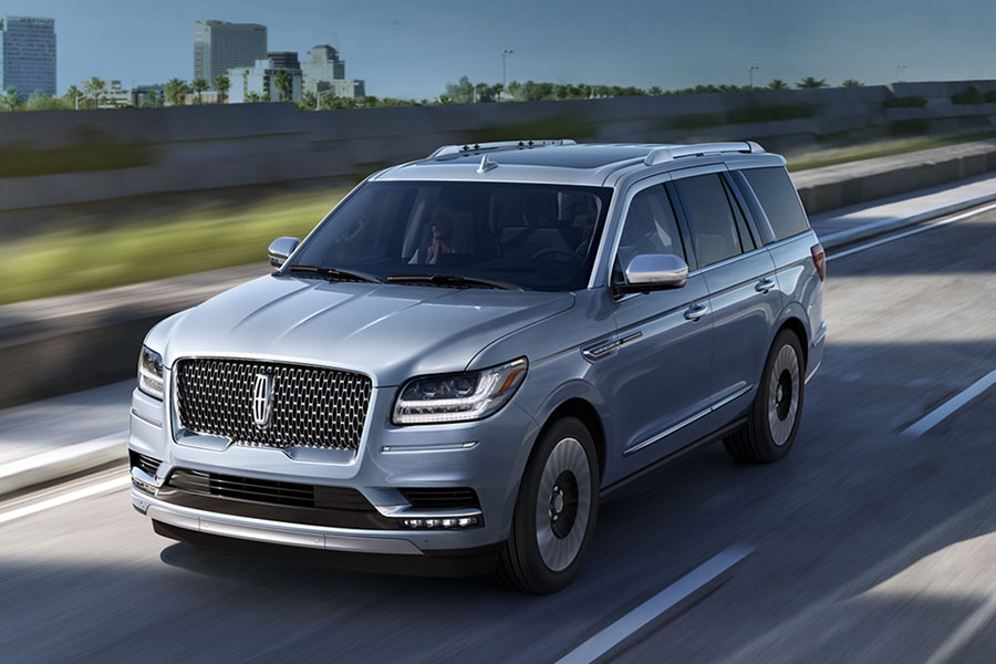 2020 Lincoln Navigator on the Road
