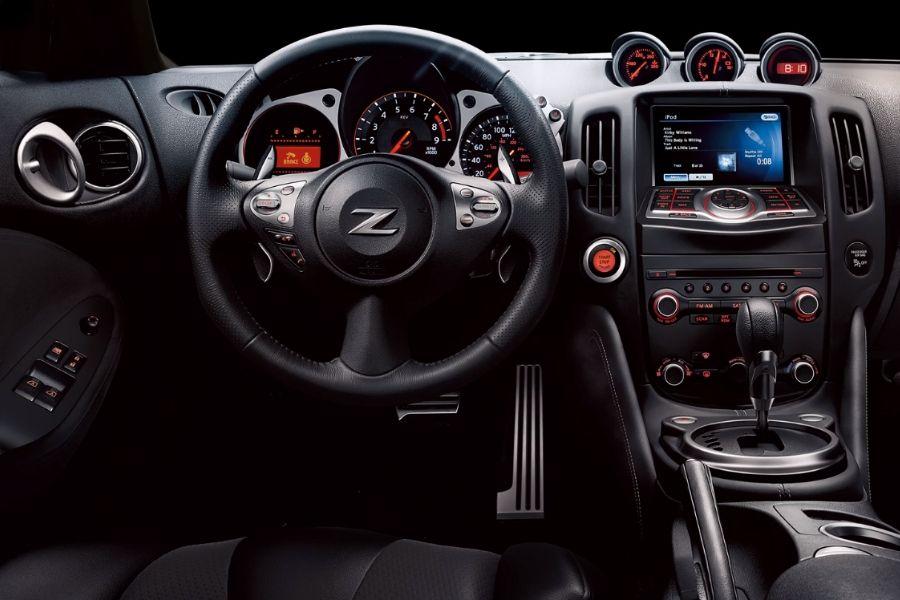 2020 Nissan 370Z Technology