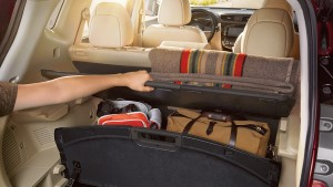 2017 Nissan Rogue Divide and Hide Cargo System