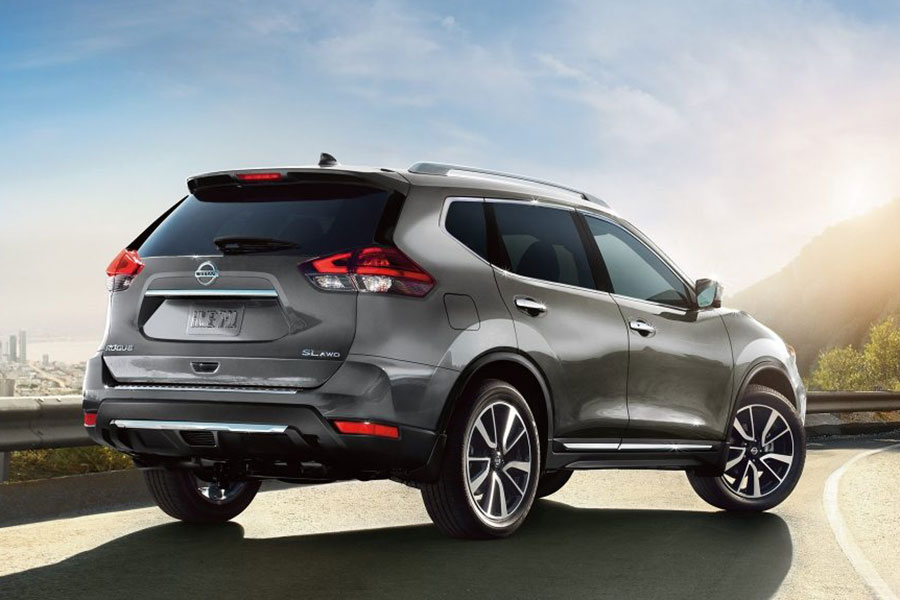 2018 Nissan Rogue on the Road
