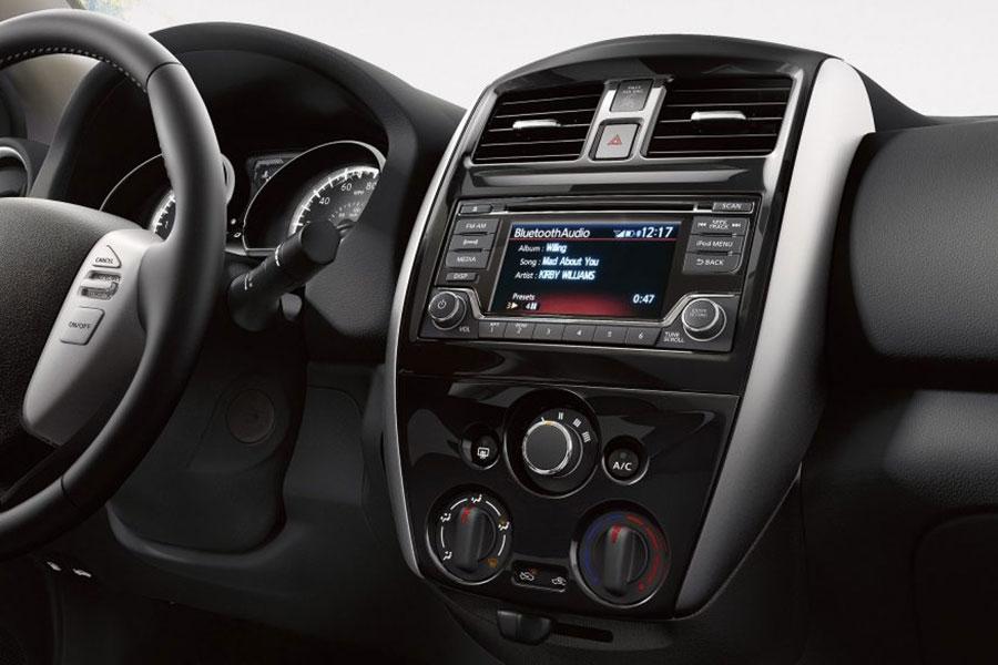 2018 Nissan Versa Tech