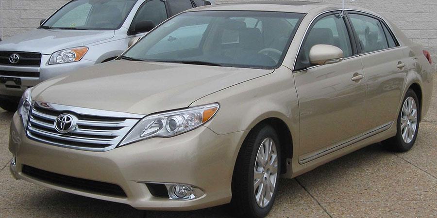 3rd-Gen-Toyota-Avalon