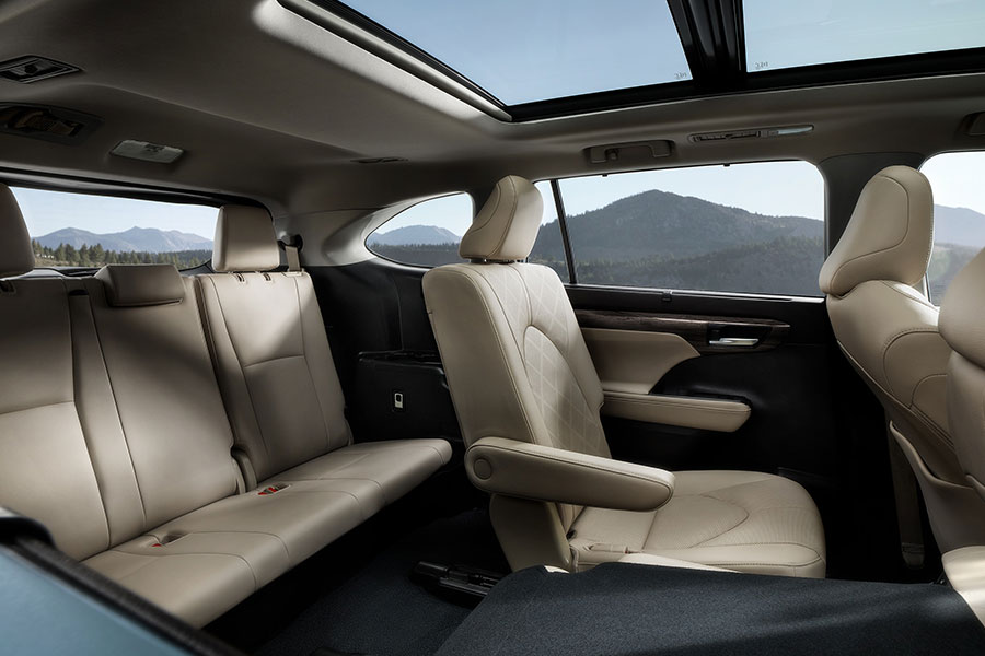 2020 Toyota Highlander Interior