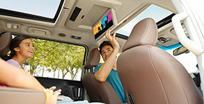 2016 Toyota Sienna Dual-View Blu-ray Entertainment Center
