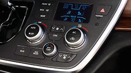 2017 Toyota Sienna Easy, Convenient Tech Controls