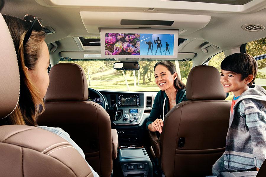 2019 Toyota Sienna Backseat Entertainment