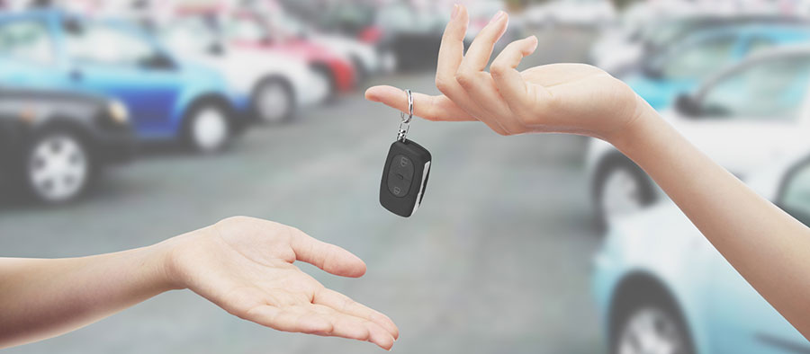 auto lease vs buying a car