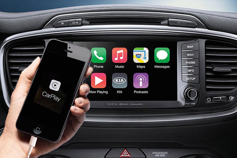 Apple CarPlay Phone Connection
