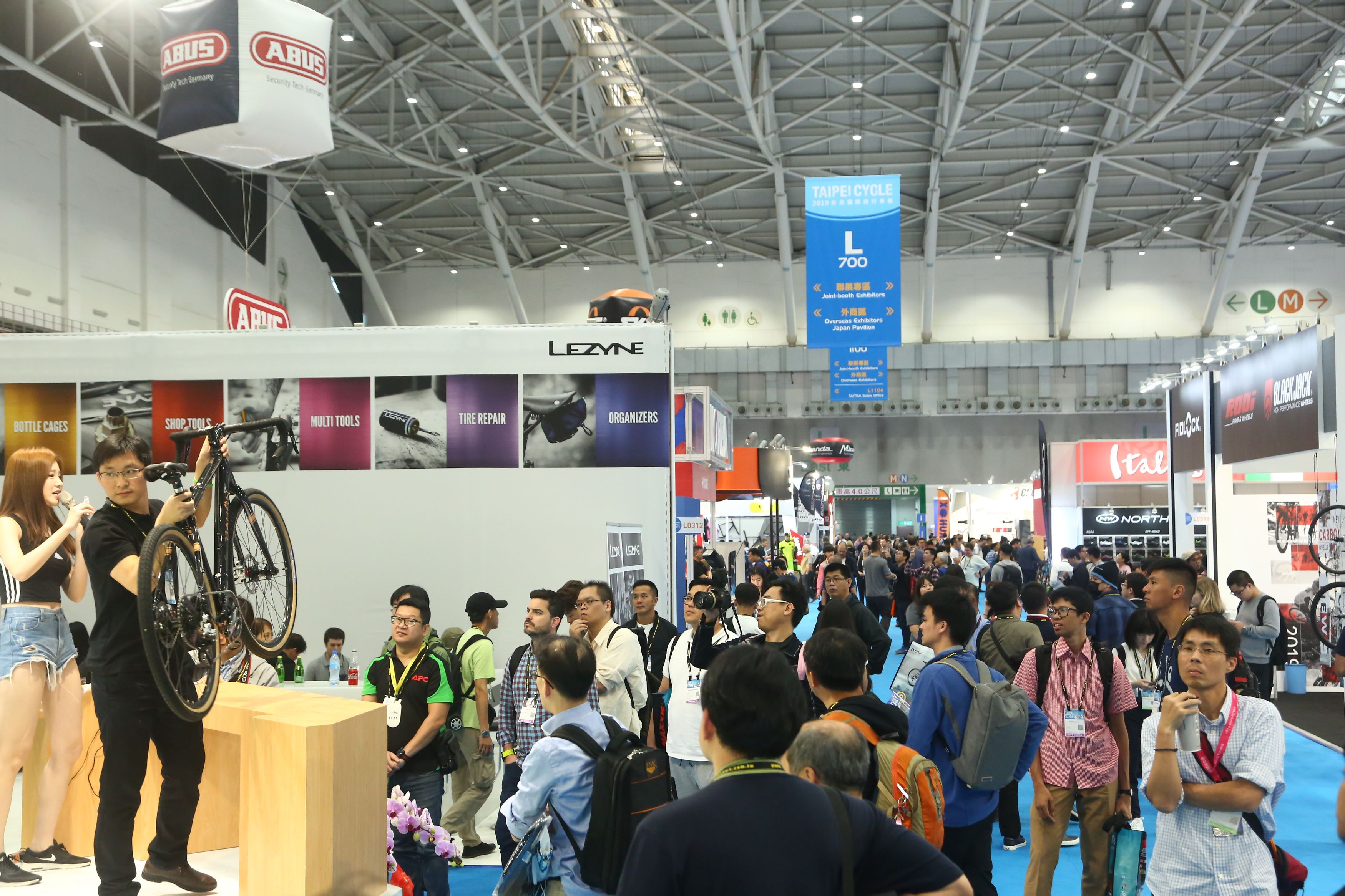 https://storage.googleapis.com/www.taiwantradeshow.com.tw/model/photo/CC/2019/PH00033642-name.jpg