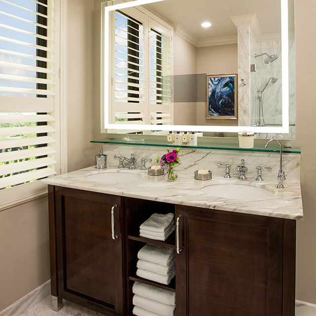Flagler Club Guest Room with Resort View bathroom vanity