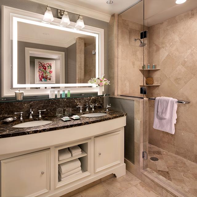 Deluxe Guest Room with Partial Ocean View Bathroom