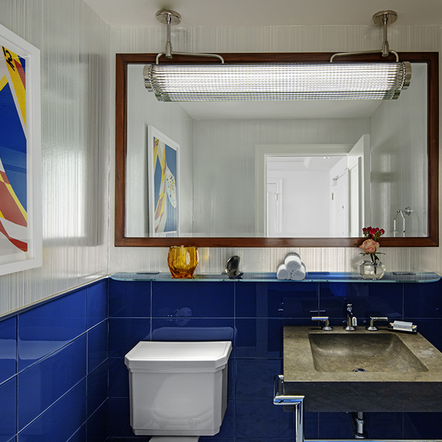 Imperial Suite with Oceanfront View Bathroom