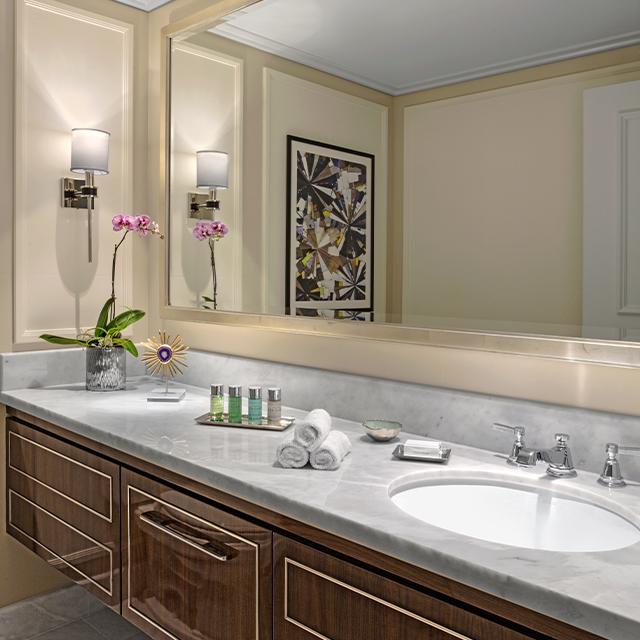 Royal Poinciana Suite Half Bath