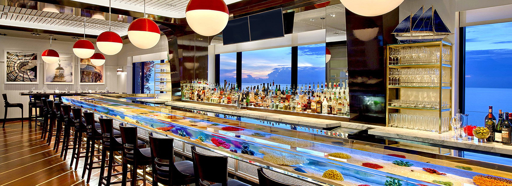 Aquarium bar at Seafood Bar at The Breakers