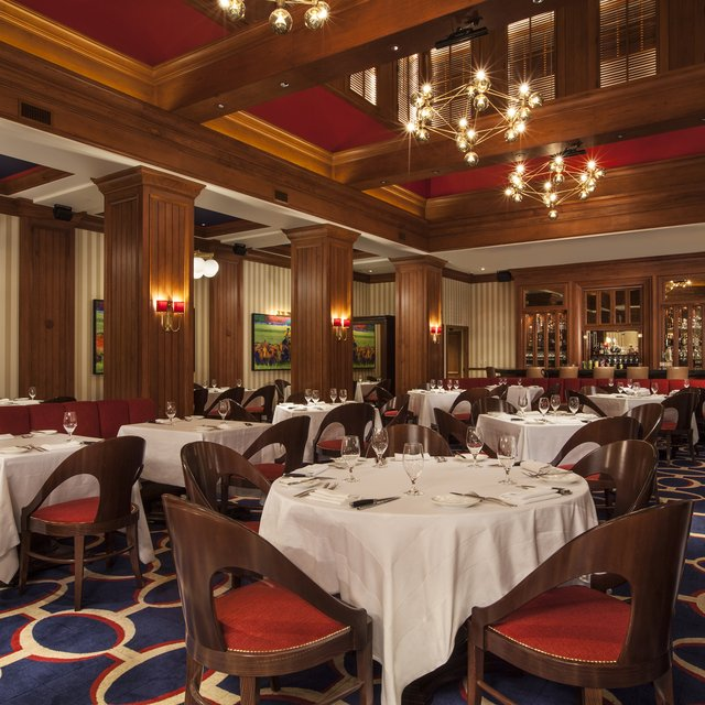 Flagler Steakhouse dining room
